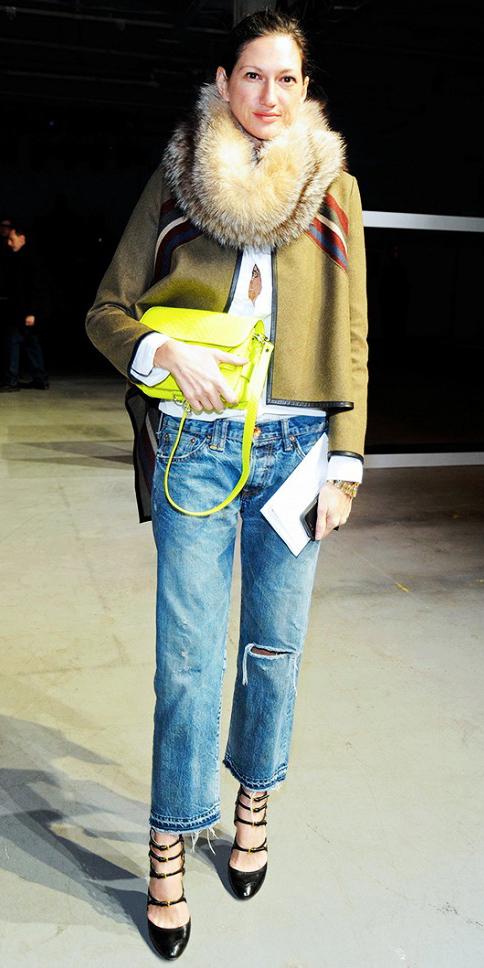 blue-med-boyfriend-jeans-white-collared-shirt-green-olive-jacket-coat-tan-scarf-brun-jcrew-black-shoe-pumps-outfit-fall-winter-yellow-bag-neon-dinner.jpg