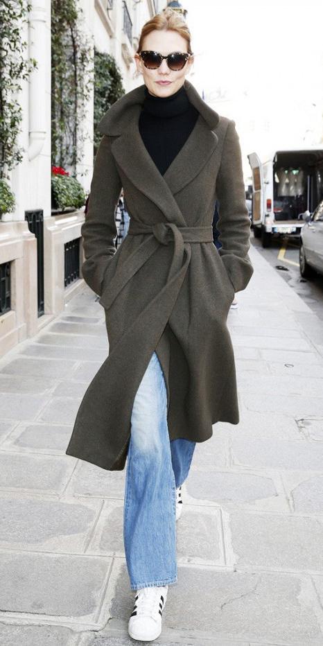 blue-light-flare-jeans-black-sweater-turtleneck-green-olive-jacket-coat-white-shoe-sneakers-howtowear-fashion-fall-winter-karliekloss-sun-bun-hairr-weekend.jpg