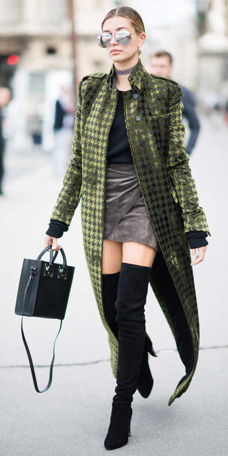 grayd-mini-skirt-black-tee-choker-black-bag-black-shoe-boots-otk-sun-haileybaldwin-green-olive-jacket-coat-maxi-fall-winter-blonde-lunch.jpg