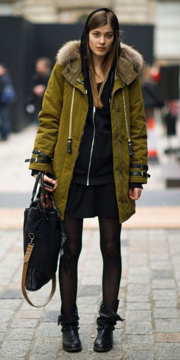 black-mini-skirt-black-cardigan-hoodie-green-olive-jacket-coat-howtowear-fashion-style-outfit-fall-winter-black-tights-parka-basic-black-shoe-booties-street-weekend-hairr.jpg