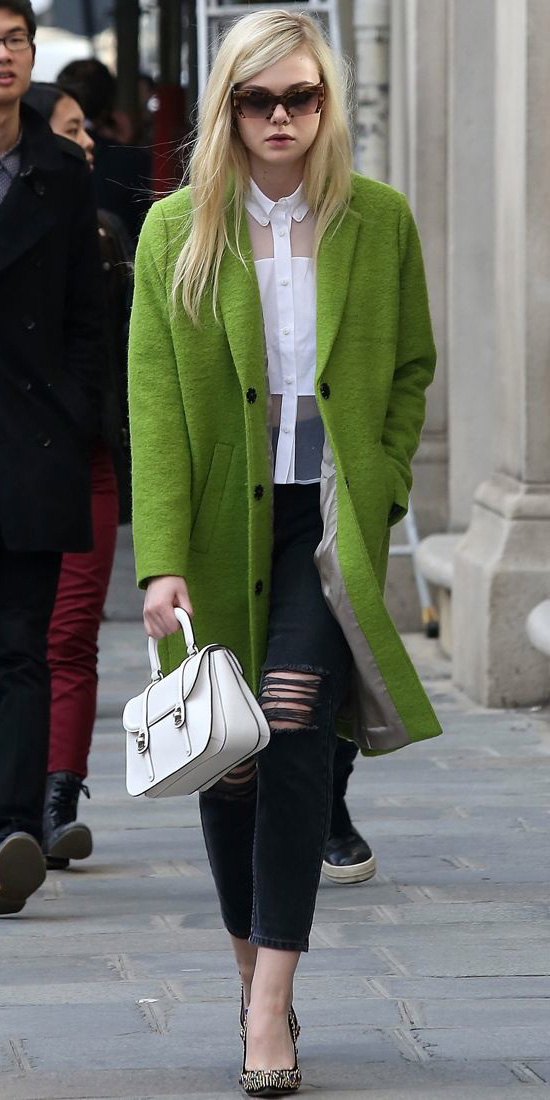 black-skinny-jeans-white-top-sheer-sun-white-bag-black-shoe-pumps-ellefanning-green-olive-jacket-coat-fall-winter-blonde-lunch.jpg