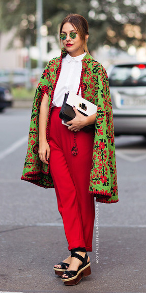 red-joggers-pants-black-shoe-sandalw-sun-bun-white-top-blouse-print-cape-green-emerald-jacket-coat-fall-winter-hairr-lunch.jpg