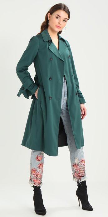 blue-light-skinny-jeans-green-dark-jacket-coat-trench-hairr-black-shoe-booties-fall-winter-lunch.jpg