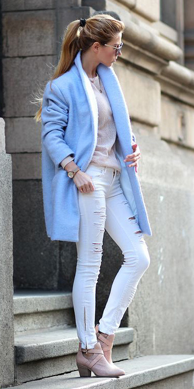 white-skinny-jeans-pink-light-shoe-booties-pony-blue-light-jacket-coat-spring-summer-blonde-lunch.jpg