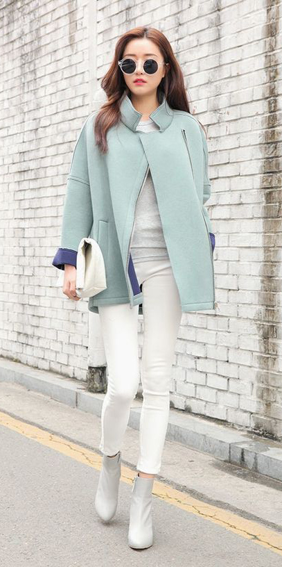 white-skinny-jeans-white-shoe-booties-sun-pastel-blue-light-jacket-coat-spring-summer-hairr-lunch.jpg