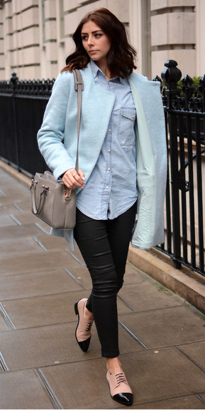 blue-light-collared-shirt-black-skinny-jeans-tan-shoe-brgoues-brun-gray-bag-blue-light-jacket-coat-peacoat-fall-winter-lunch.jpg