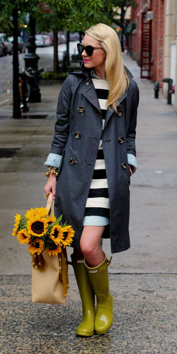white-dress-sweater-stripe-bold-sun-green-shoe-boots-rain-wellies-trench-blue-navy-jacket-coat-spring-summer-blonde-lunch.jpg