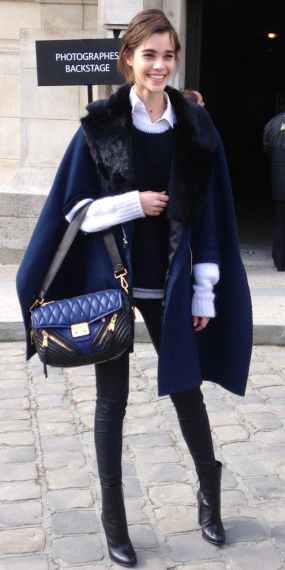 black-skinny-jeans-white-collared-shirt-black-sweater-howtowear-style-fashion-fall-winter-blue-navy-jacket-coat-cape-black-shoe-booties-black-bag-bun-layer-brun-lunch.jpg