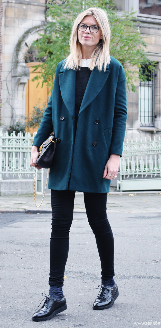 black-skinny-jeans-white-collared-shirt-black-sweater-blue-navy-jacket-coat-teal-socks-black-shoe-brogues-black-bag-howtowear-fashion-style-outfit-fall-winter-blonde-lunch.jpg