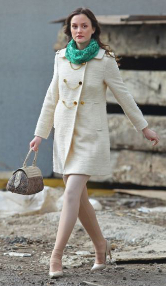 white-tights-white-jacket-coat-white-shoe-pumps-gossipgirl-blairwaldorf-leightonmeester-green-emerald-scarf-howtowear-fashion-style-outfit-hairr-fall-winter-lunch.jpg