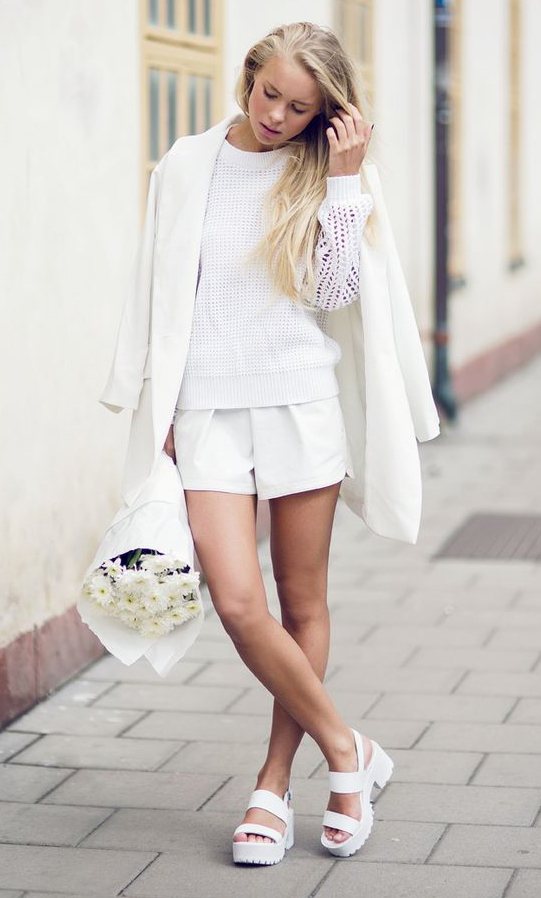 white-shorts-white-sweater-white-jacket-coat-white-shoe-sandalw-howtowear-fashion-style-spring-summer-outfit-blonde-lunch.jpg