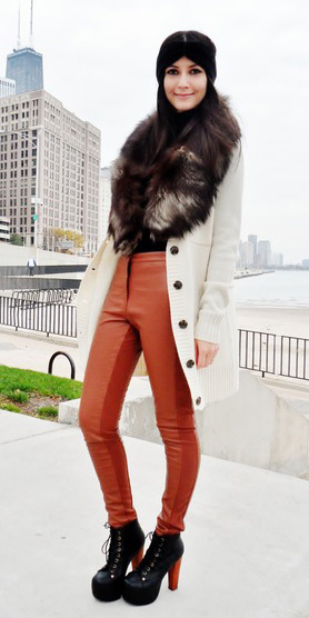 orange-skinny-jeans-white-jacket-coat-head-black-shoe-booties-fall-winter-brun-lunch.jpg