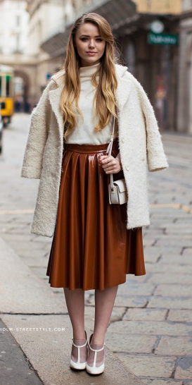 o-camel-midi-skirt-white-sweater-white-jacket-coat-fur-fuzz-pleat-white-bag-white-shoe-pumps-wear-outfit-fall-winter-fashion-blonde-dinner.jpg
