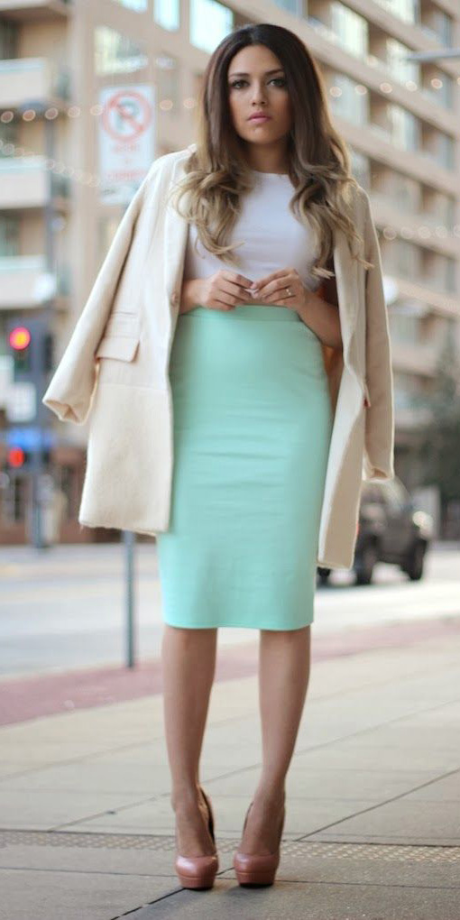 green-light-pencil-skirt-white-top-white-jacket-coat-peach-shoe-pumps-spring-summer-hairr-dinner.jpg