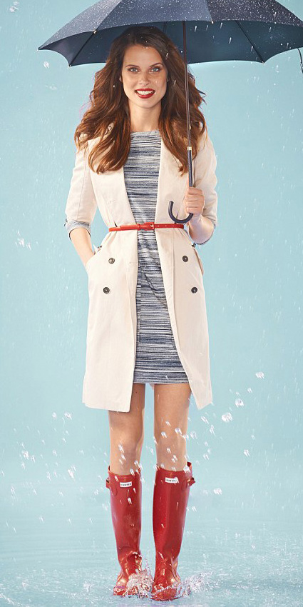 blue-med-dress-bodycon-belt-red-shoe-boots-rain-wellies-white-jacket-coat-trench-spring-summer-hairr-lunch.jpg