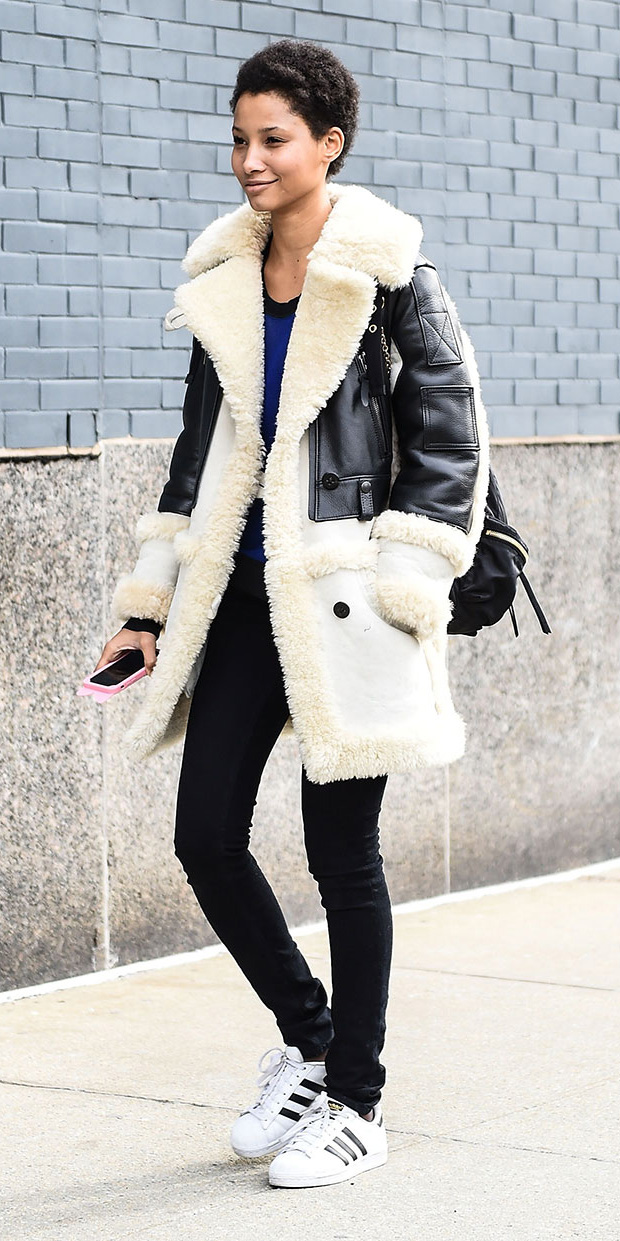 black-skinny-jeans-white-jacket-coat-howtowear-fashion-style-outfit-fall-winter-shearling-black-bag-white-shoe-sneakers-nyfw-adidas-brun-weekend.jpg