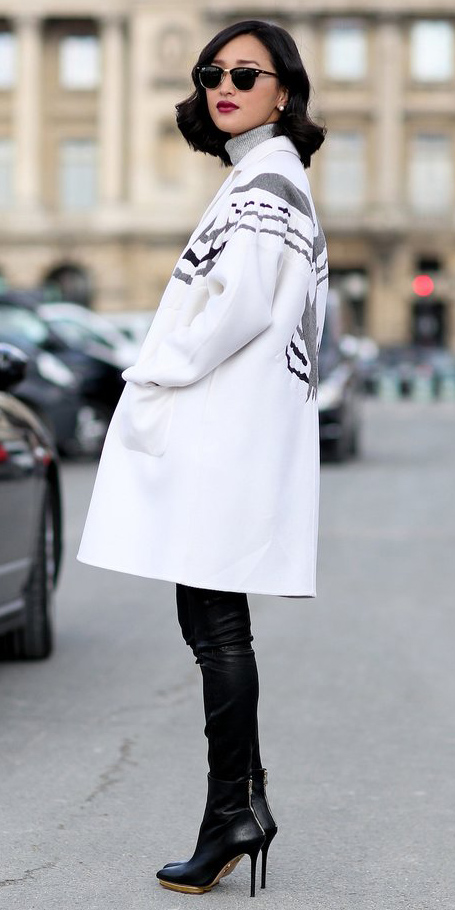 black-leggings-grayl-sweater-white-jacket-coat-sun-studs-black-shoe-booties-wear-outfit-fashion-fall-winter-brun-dinner.jpg