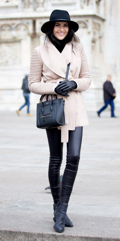 black-leggings-black-shoe-booties-black-bag-gloves-hat-white-jacket-coat-fall-winter-brun-lunch.jpg