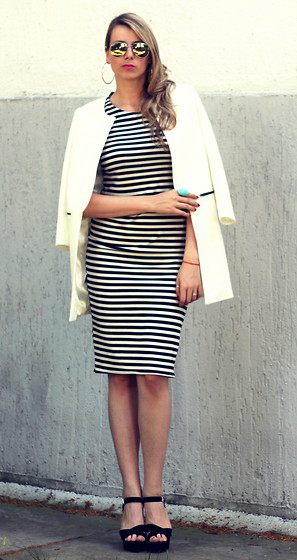 black-dress-stripe-bodycon-white-jacket-coat-sun-hoops-black-shoe-sandalw-howtowear-fashion-style-outfit-spring-summer-hairr-lunch.jpg
