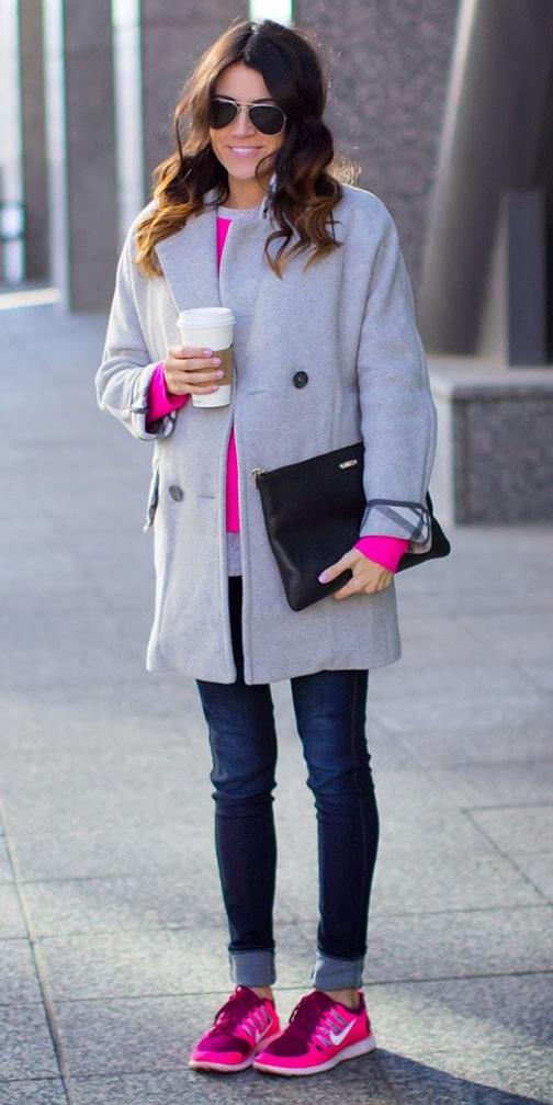 blue-navy-skinny-jeans-pink-magenta-sweater-grayl-jacket-coat-magenta-shoe-sneakers-sun-black-bag-howtowear-fashion-style-outfit-fall-winter-brun-weekend.jpg