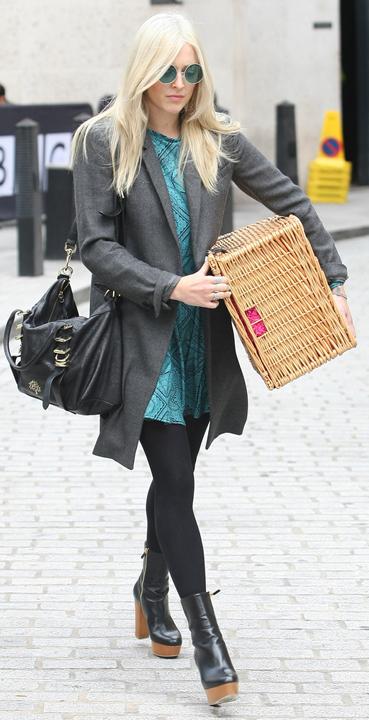 blue-med-dress-grayd-jacket-coat-black-tights-black-shoe-booties-black-bag-sun-mini-wear-style-fashion-fall-winter-fearnecotton-blonde-work.jpg