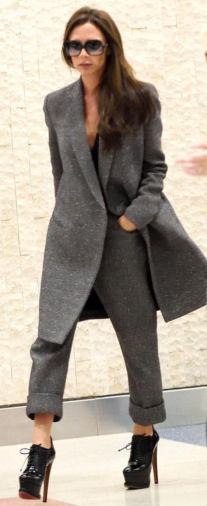 grayd-jacket-coat-victoriabeckham-brun-fall-winter-lunch.jpg