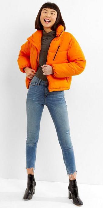 blue-light-skinny-jeans-black-shoe-booties-orange-jacket-coat-puffer-fall-winter-brun-weekend.jpg