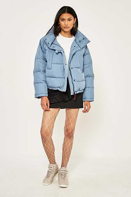 black-mini-skirt-white-shoe-sneakers-white-tights-fishnet-blue-light-jacket-coat-puffer-fall-winter-brun-weekend.jpg