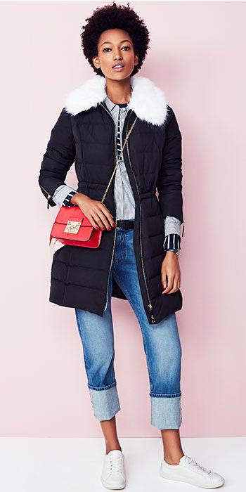 blue-med-boyfriend-jeans-red-bag-white-shoe-sneakers-black-jacket-coat-puffer-parka-fall-winter-brun-weekend.jpg