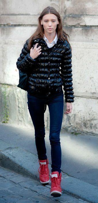 blue-navy-skinny-jeans-white-collared-shirt-red-shoe-sneakers-black-jacket-coat-puffer-fall-winter-hairr-weekend.jpg