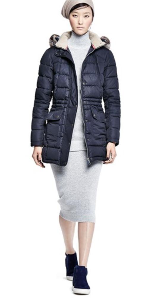 grayl-dress-black-jacket-coat-puffer-parka-black-shoe-sneakers-beanie-bodycon-sweater-fall-winter-brunette-weekend.jpg