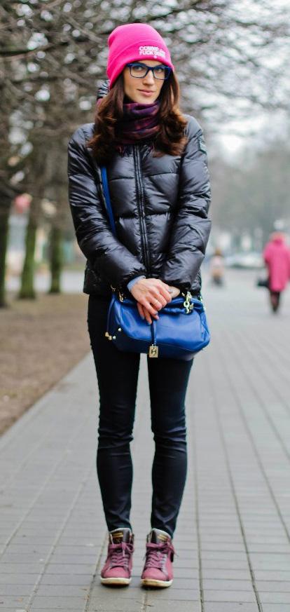 black-skinny-jeans-blue-bag-beanie-purple-royal-scarf-pink-shoe-sneakers-black-jacket-coat-puffer-fall-winter-brun-weekend.jpg