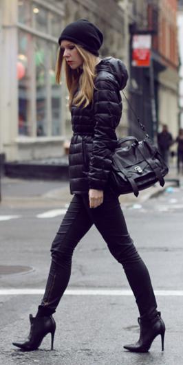 black-skinny-jeans-black-bag-black-shoe-booties-beanie-mono-black-jacket-coat-puffer-fall-winter-blonde-lunch.jpg