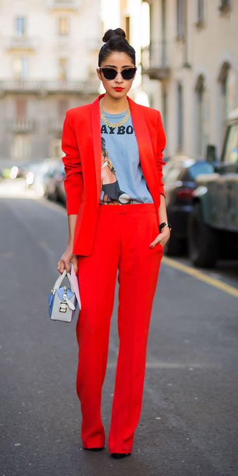 red-wideleg-pants-grayl-graphic-tee-red-jacket-blazer-suit-sun-bun-blue-bag-fall-winter-brun-lunch.jpg