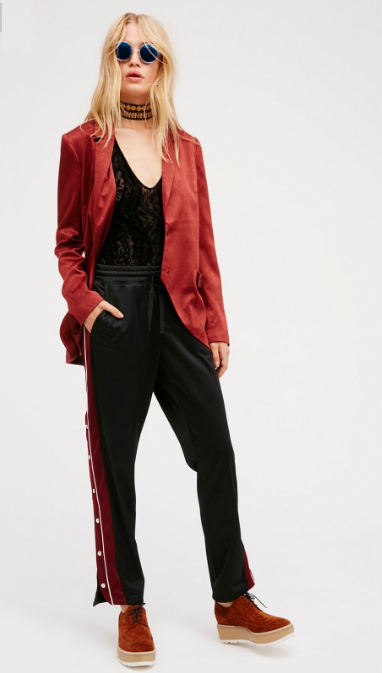black-joggers-pants-black-top-lace-red-jacket-blazer-red-shoe-brogues-sun-platform-wear-style-fashion-fall-winter-track-blonde-choker-lunch.jpg