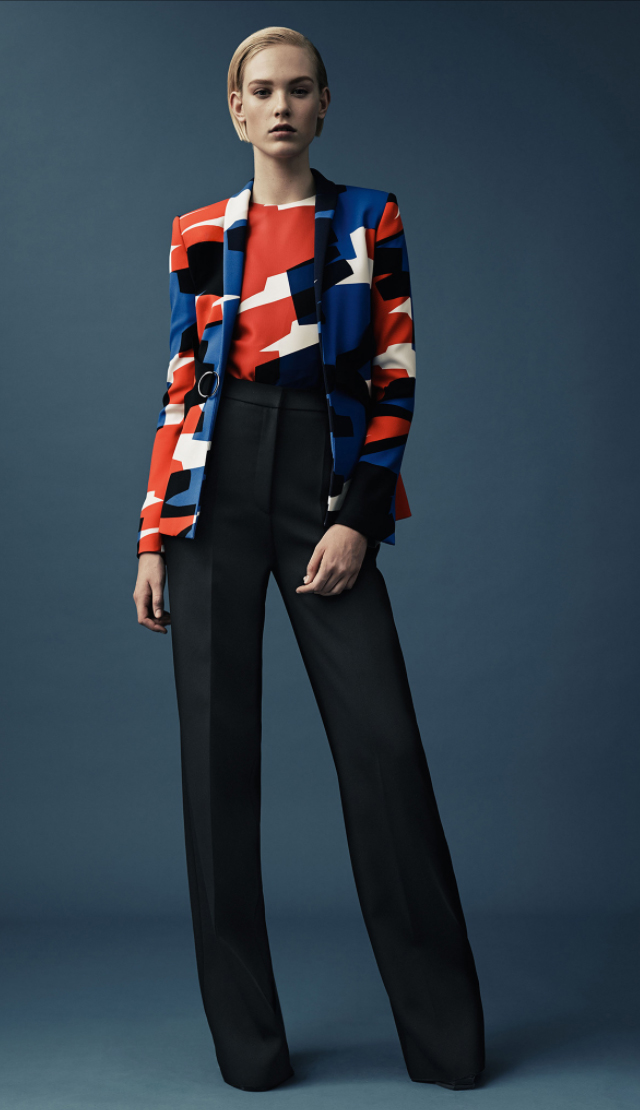 black-wideleg-pants-red-top-howtowear-style-fashion-fall-winter-red-jacket-blazer-graphic-abstract-match-blonde-work.jpg