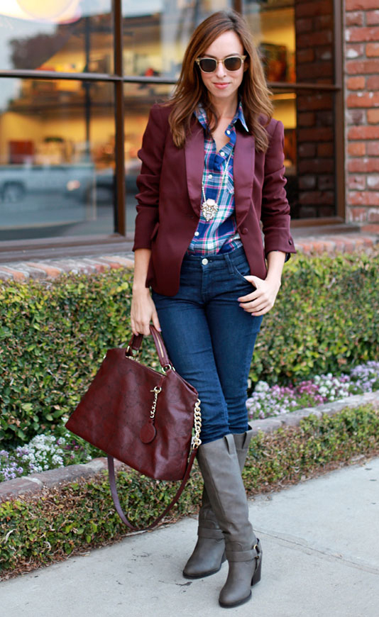 blue-navy-skinny-jeans-blue-navy-plaid-shirt-burgundy-jacket-blazer-burgundy-bag-sun-necklace-pend-gray-shoe-boots-howtowear-fashion-style-fall-winter-outfit-hairr-lunch.jpg