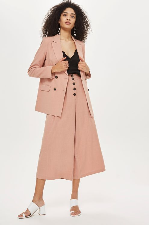 pink-light-culottes-pants-black-cami-brun-earrings-white-shoe-sandalh-mules-pink-light-jacket-blazer-suit-fall-winter-lunch.jpg
