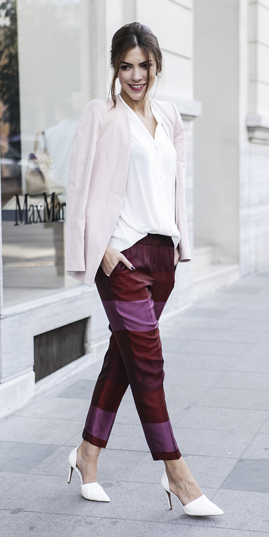 burgundy-joggers-pants-white-top-blouse-pink-light-jacket-blazer-white-shoe-pumps-bun-fall-winter-hairr-dinner.jpg