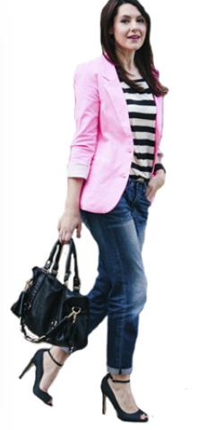 blue-navy-boyfriend-jeans-black-tee-stripe-pink-light-jacket-blazer-work-outfit-spring-summer-brun-black-shoe-pumps-black-bag-work.jpg
