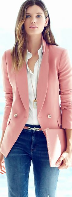 blue-med-skinny-jeans-white-collared-shirt-r-pink-light-jacket-blazer-belt-necklace-pend-howtowear-fashion-style-outfit-spring-summer-hairr-pink-bag-clutch-work.jpg