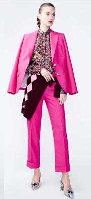 o-pink-magenta-culottes-pants-o-pink-magenta-jacket-blazer-burgundy-top-hairr-bun-white-shoe-pumps-fall-winter-style-fashion-wear-floral-suit-argyle-lunch.jpg