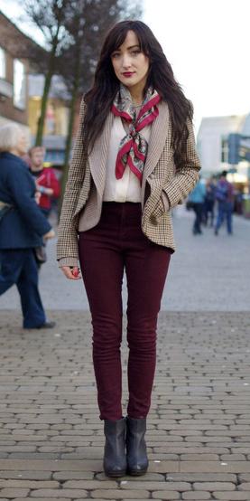 burgundy-skinny-jeans-tan-jacket-blazer-tweed-red-scarf-neck-black-shoe-booties-brun-fall-winter-lunch.jpg