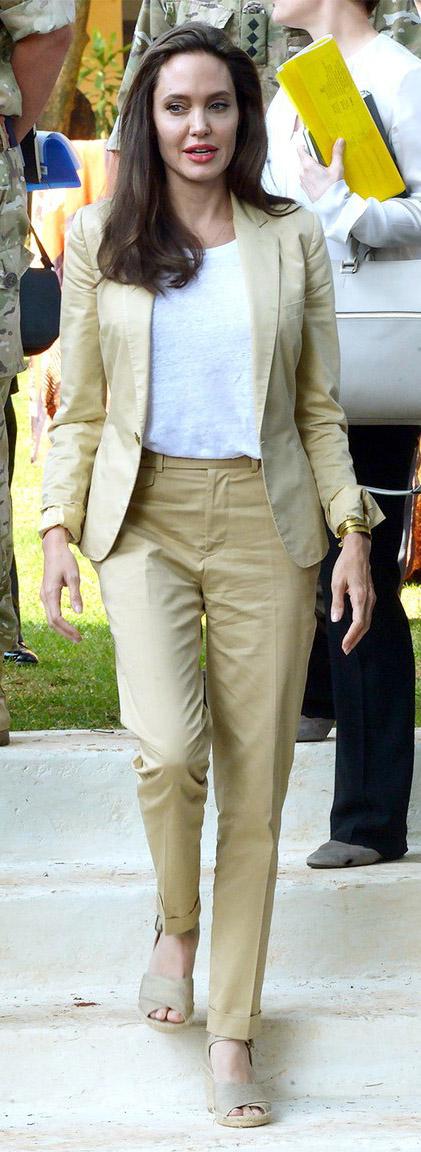 tan-slim-pants-white-tee-tan-jacket-blazer-tan-shoe-sandalw-angelinajolie-spring-summer-brun-work.jpg