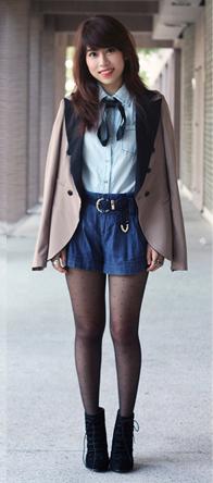 blue-navy-shorts-belt-black-tights-blue-light-collared-shirt-brun-black-shoe-booties-tan-jacket-blazer-fall-winter-lunch.jpg