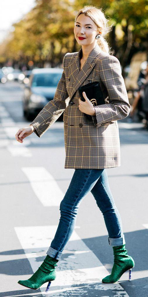 blue-med-skinny-jeans-studs-pony-green-shoe-booties-tweed-plaid-tan-jacket-blazer-boyfriend-fall-winter-blonde-dinner.jpg