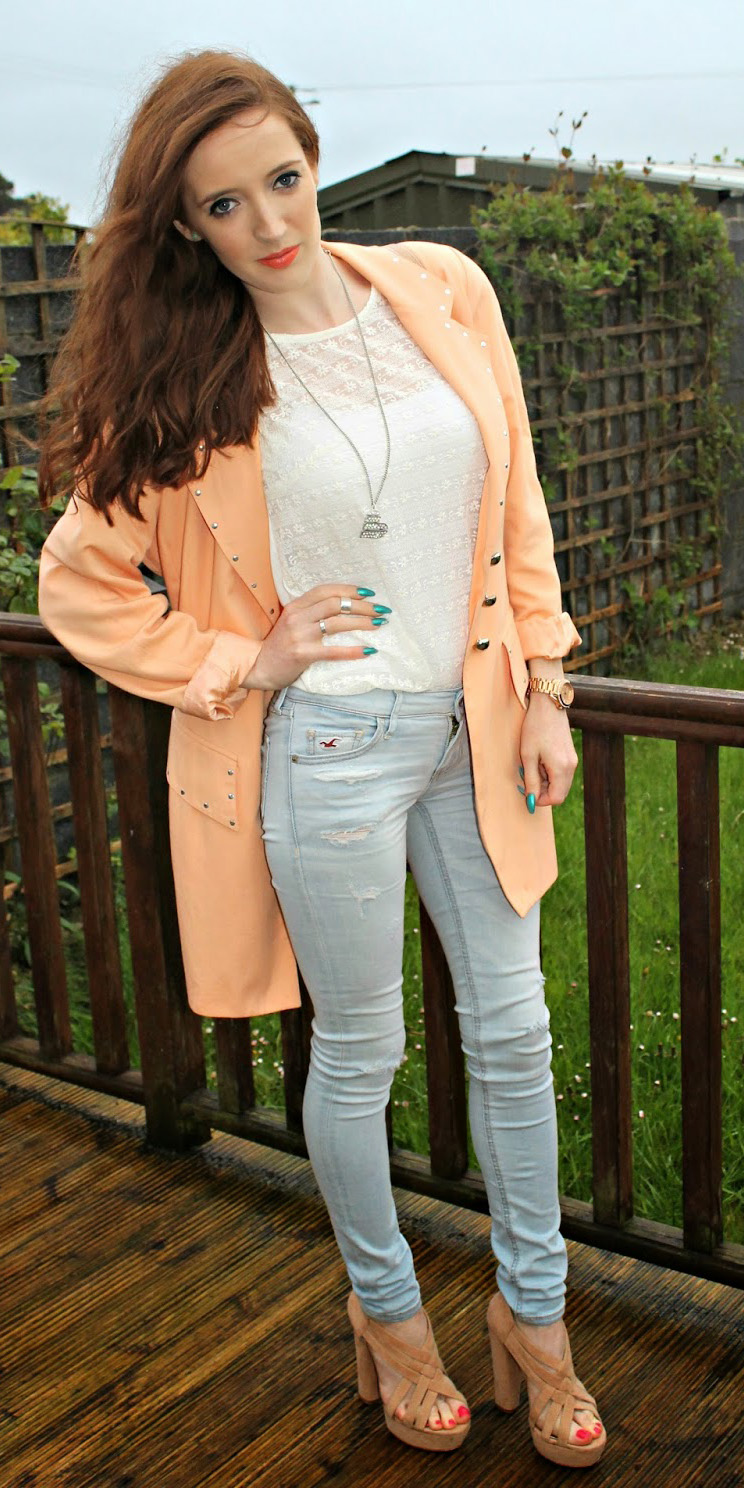 blue-light-skinny-jeans-white-top-lace-necklace-pend-peach-jacket-blazer-boyfriend-tan-shoe-sandalh-howtowear-fashion-style-outfit-spring-summer-hairr-lunch.jpg