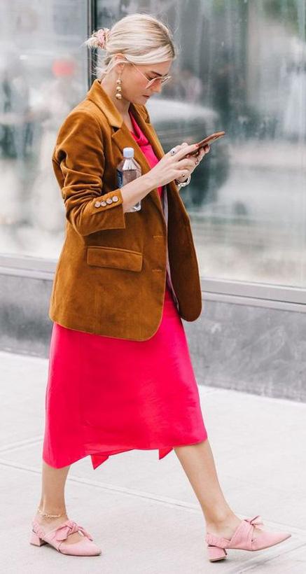 pink-magenta-dress-midi-camel-jacket-blazer-blonde-bun-earrings-pink-shoe-flats-fall-winter-lunch.jpg