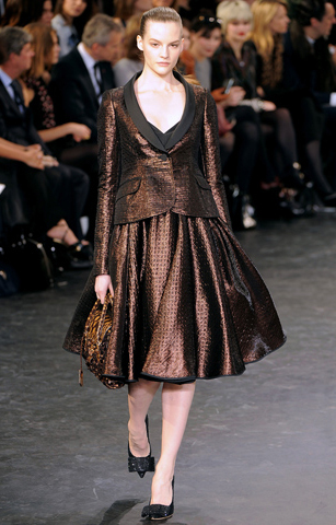 o-brown-midi-skirt-brown-jacket-blazer-pony-metallic-wear-outfit-fall-winter-black-shoe-pumps-fashion-brown-hairr-dinner.jpg