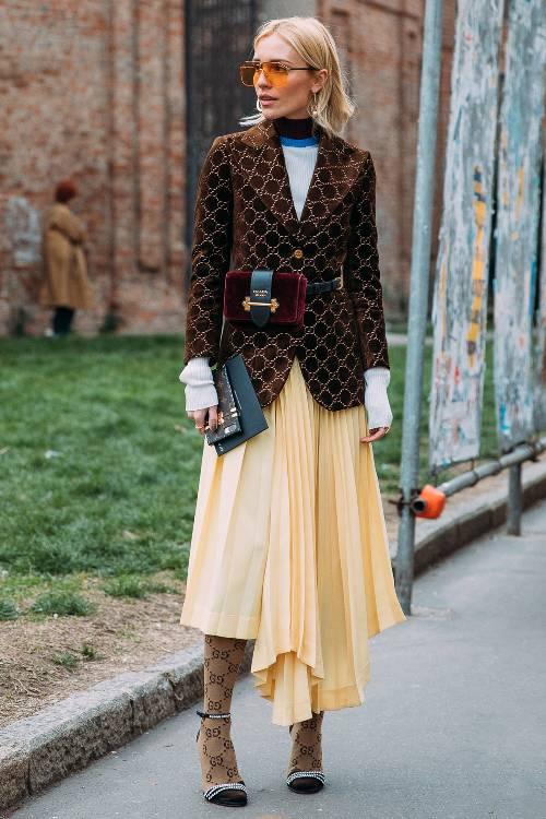 yellow-midi-skirt-brown-jacket-blazer-blonde-sun-burgundy-bag-fannypack-tan-tights-black-shoe-sandalh-printed-fall-winter-lunch.jpg
